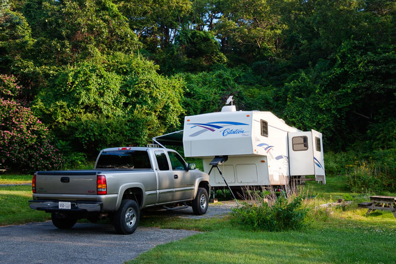 28ft 5th Wheel and GMC Pick up Truck for Sale